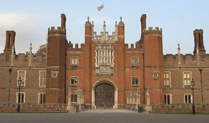 Hampton Court Castle